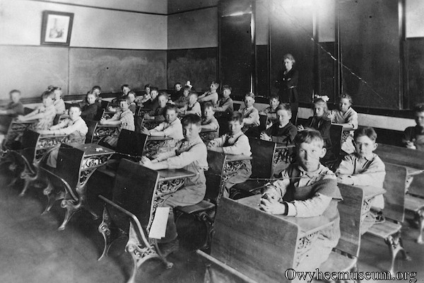 DeLamar Students in Desks 1917